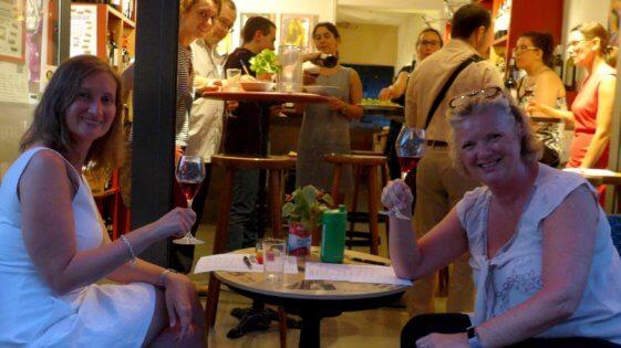 3 Draußen Weinbar